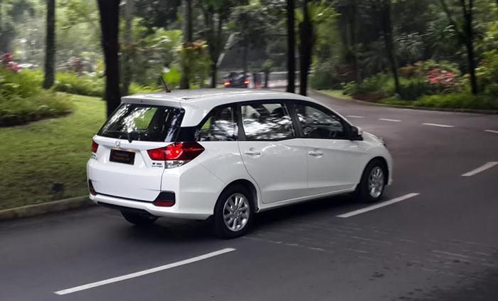 Mobil Keluarga Paling di Cari - Honda Mobilio