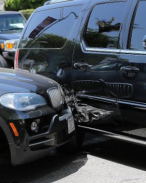 Mobil Justin Bieber Saat Kecelakaan