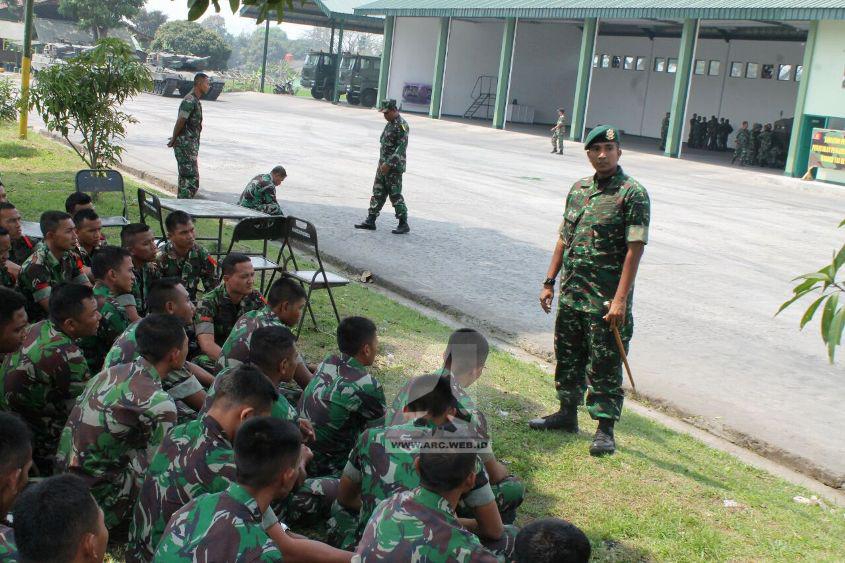 TNI Latihan Mengemudi Tank Leopard 2_2