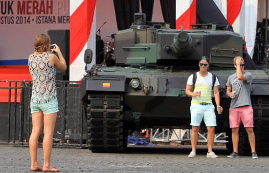 Tank Leopard di Monas 1