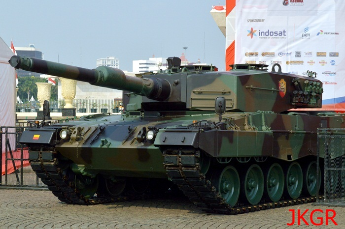 Tank Leopard di Monas 3