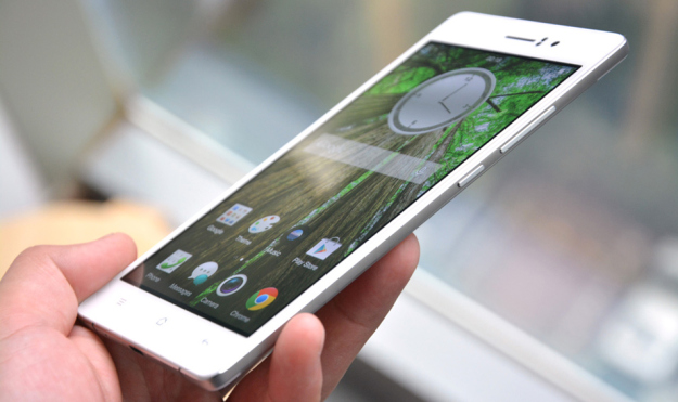 Smartphone Tertipis OPPO R5