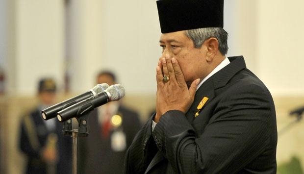 SBY Mengenakan Batu Akik Cat's Eye di Jarinya
