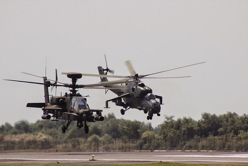 Kekuatan Angkatan Darat Militer Indonesia - Helikopter Apache AH 64 E Guardian TNI & Mi 35P TNI