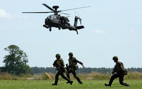 Pasukan Infanteri Indonesia & Helikopter Apache AH 64 E Guardian TNI AD