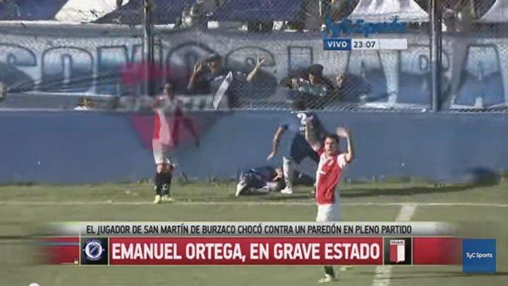 Benturan Kepala Emanuel Ortega Ke Tembok Lapangan