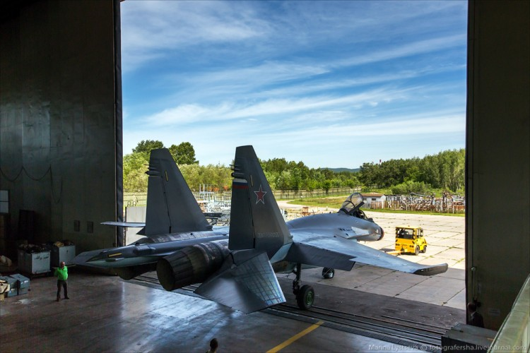 Foto Pabrik Jet Sukhoi Su-35 - 10