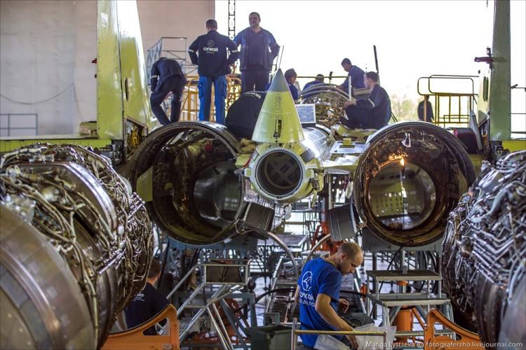 Foto Pabrik Jet Sukhoi Su-35 - 7