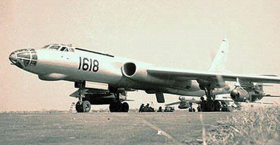 Pesawat Bomber TU-16 TNI AU