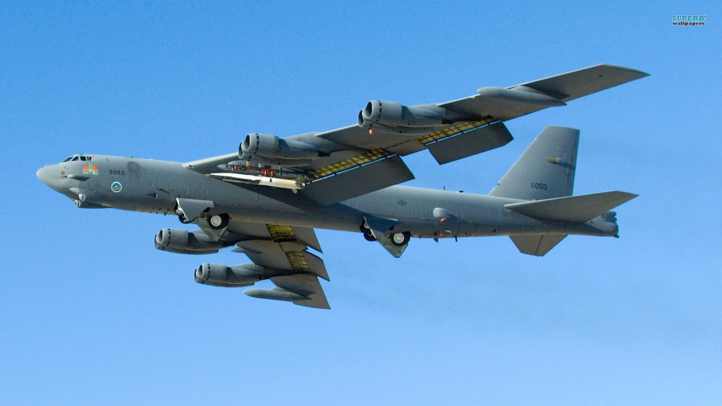 Pesawat Bomber Amerika B-52 Stratofortress - SuperbWallPapersDOTcom
