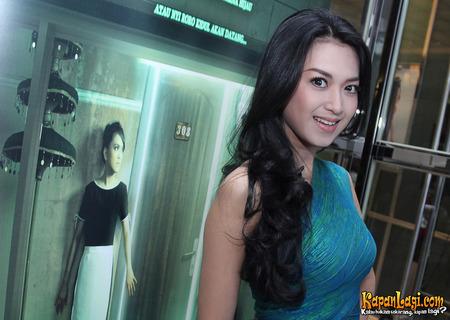 Sylvia Fully di Film Terbarunya - Kapanlagi.com