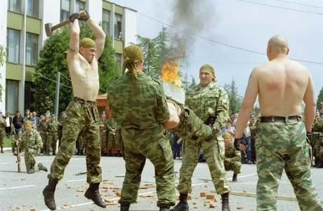 Uji Kekuatan Tubuh Pasukan Elite Spetsnaz