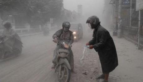 Hujan Abu Gunung Kelud di Yogyakarta