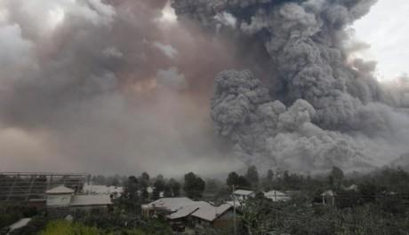 Letusan Awan Panas Gunung Sinabung