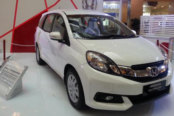 Mobil Keluarga Terlaris - Honda Mobilio