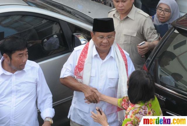 Prabowo Naik Ojek di Tanah Abang 3 - Merdekacom ISN
