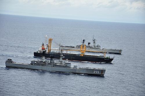 MV Sinar Kudus di Kawal Kapal Perang RI