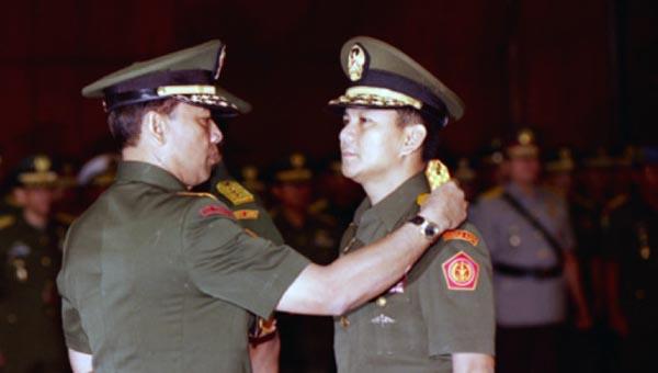 Pencopotan Prabowo Subianto oleh Wiranto