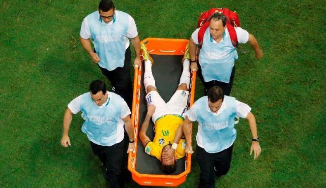 Tulang Punggung Neymar Retak