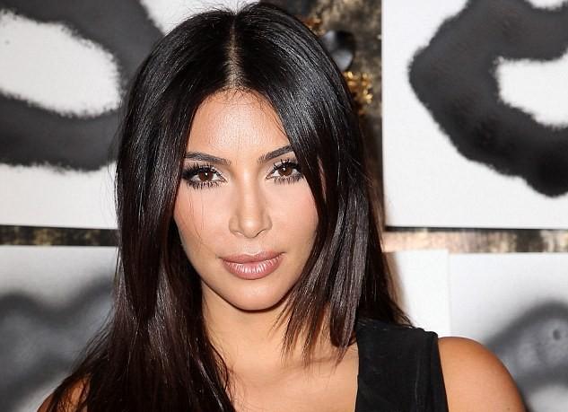 Penampilan Seksi Kim Kardashian 2