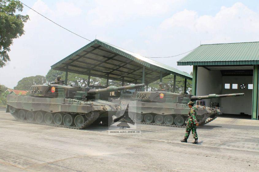 TNI Latihan Mengemudi Tank Leopard 2_3