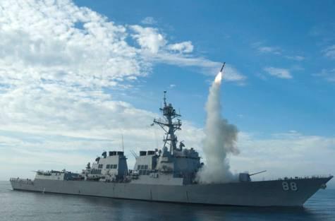 Peluncuran Tomahawk dari Kapal Perang