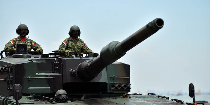 Tank Leopard Merusak Jalan 1