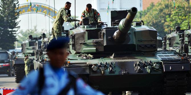 Tank Leopard Merusak Jalan 2