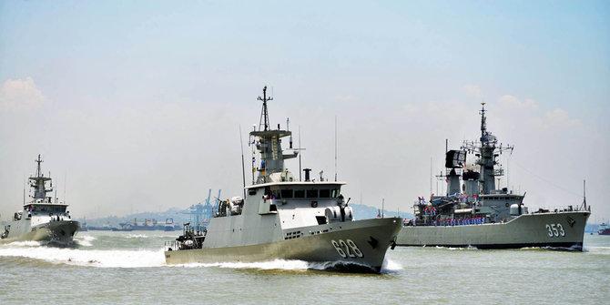 Armada AL Sergap Kapal Asing 1
