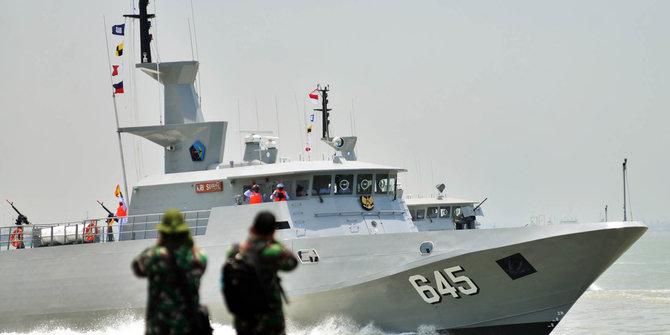 Armada AL Sergap Kapal Asing 2