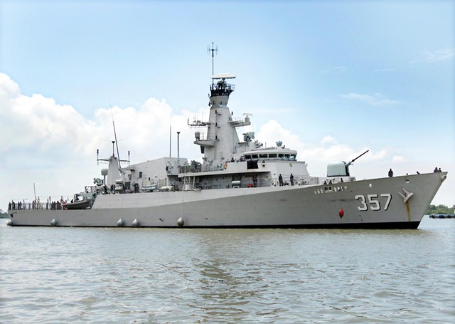 KRI Bung Tomo 357 - 3