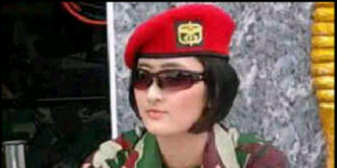 Wanita Kopassus Cantik - Sersan Eka