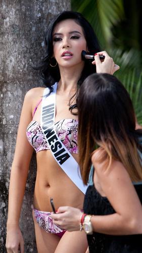 Bikini Yamamy Elvira Devinamira Miss Universe 2015