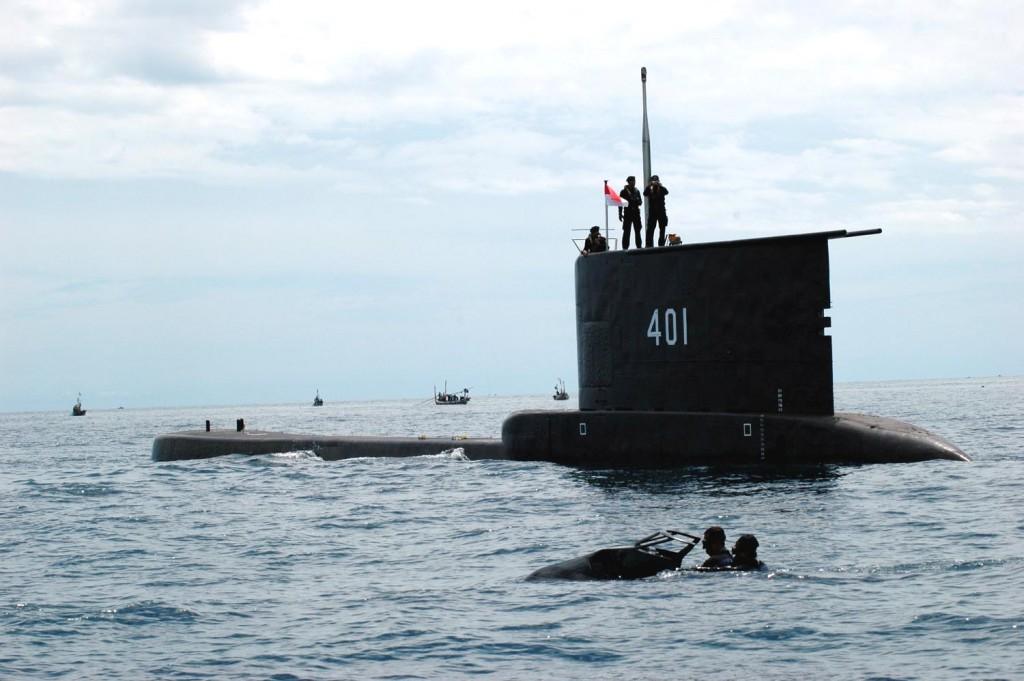 Kapal Selam Indonesia KRI Cakra 401 dan Pasukan Katak