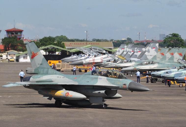 Kekuatan Udara Militer Indonesia - Deretan Pesawat Tempur F-16, F-5, Sukhoi SU 27-30
