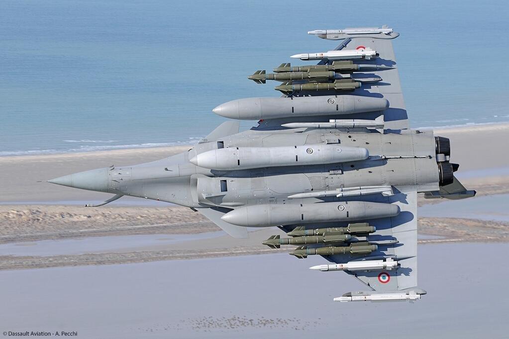 Pesawat Tempur Prancis Dassault Rafale Full Armament