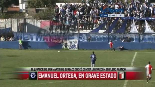 Detik-detik Terjadinya Benturan Kepala Emanuel Ortega Ke Tembok Lapangan