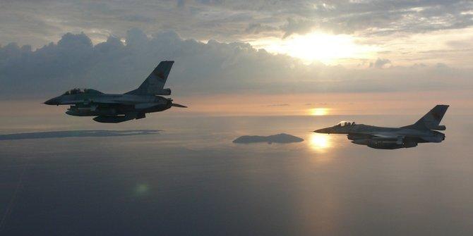 Aksi Para Pilot Top Gun F-16 TNI Au ©handout tni au