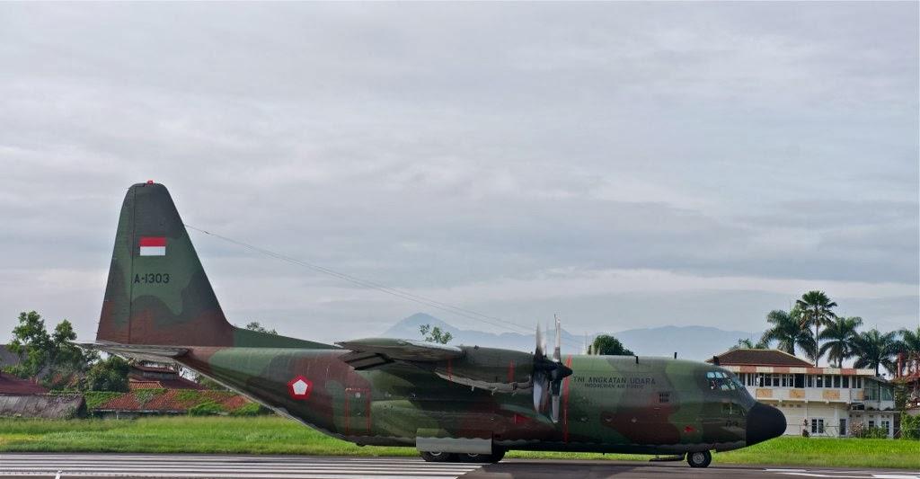 Pesawat Hercules TNI AU dengan Cat Baru