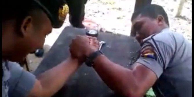Polisi Patah Tulang Saat Adu Panco