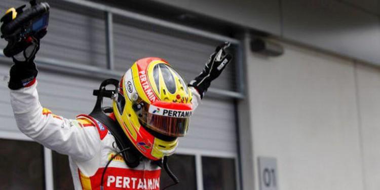Rio Haryanto Juara GP2 Austria 2015