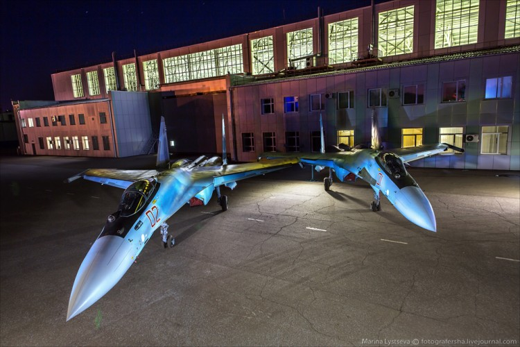 Foto Pabrik Jet Sukhoi Su-35 - 28