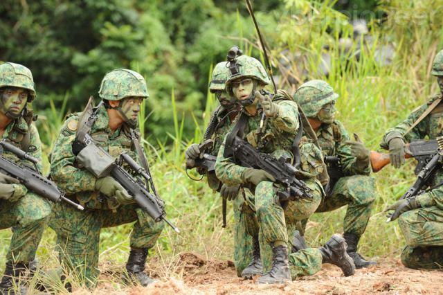 Latihan Tentara Singapura - ArmyRecognition.com