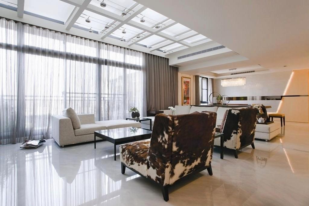 Penggunaan Skylight Juga Bisa Menambah Kesan Elegan dan Mewah