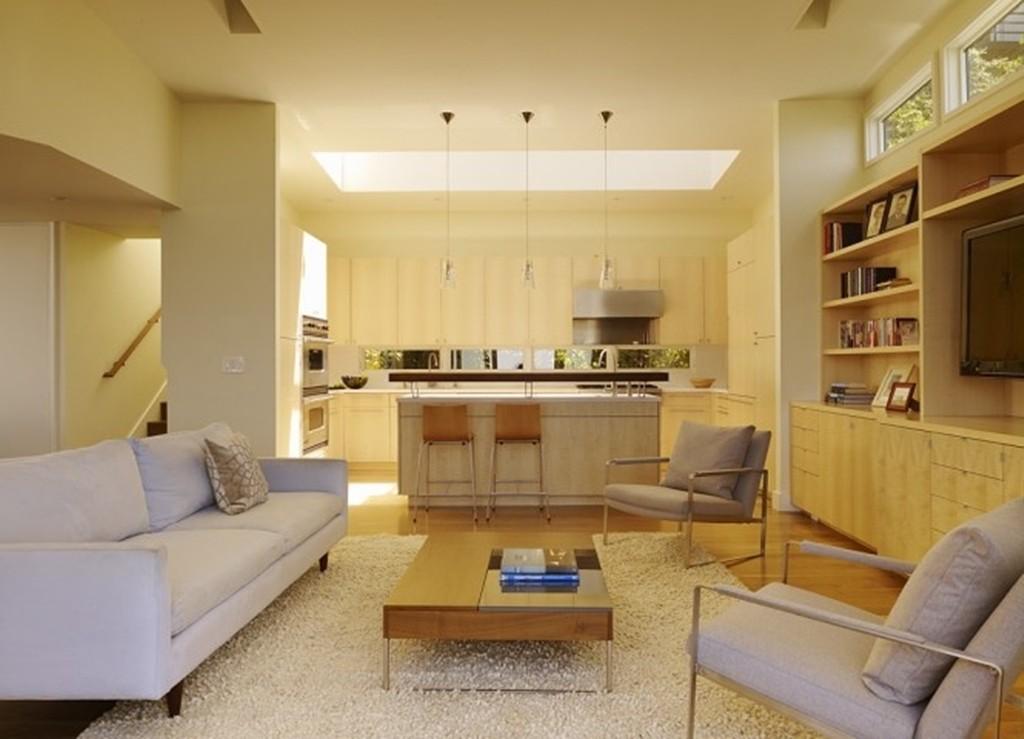 Penggunaan Skylight Pada Ruang Keluarga yang Berdekatan dengan Dapur