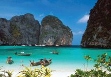Raja Ampat Papua dan Phi phi Island Thailand