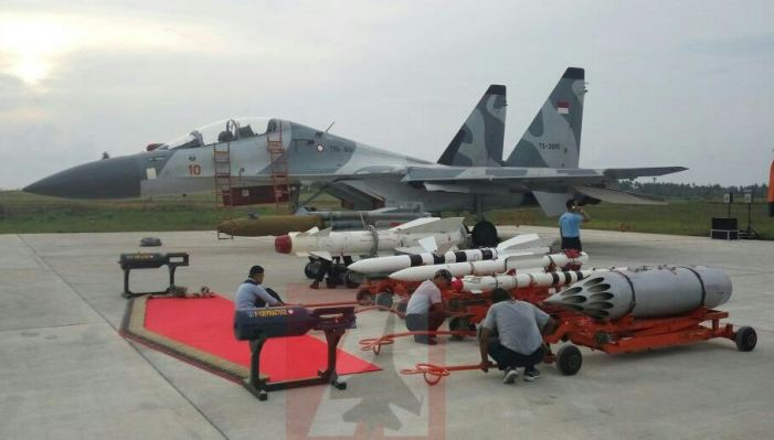 Sukhoi Su-30 TNI AU Lengkap dengan Amunisi Rudal - ArcWebId