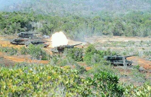 Tank Leopard 2RI dalam Latihan Tempur TNI AD di Natuna - (Src: tniad.mil.id)