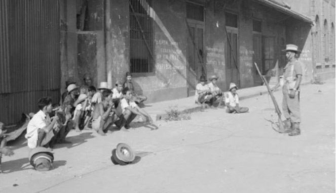 Personel Gurkha saat melakukan sweeping - (Src: Kaskus)