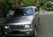 Jual Isuzu Panther New Royale Plus 2.5 th 2000 lokasi Tangerang - Cover